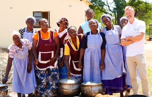 A local Mothers Support Group who, on a voluntary basis, provide meals to school children